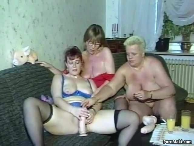 Leszbikus családi orgia pornó szex videó