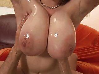 Sharp big fat Titten, saftige Ärsche und nassen Fotzen !!!