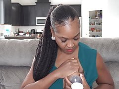 black youtuber milks tits and uses it as skin lotionPorn Videos