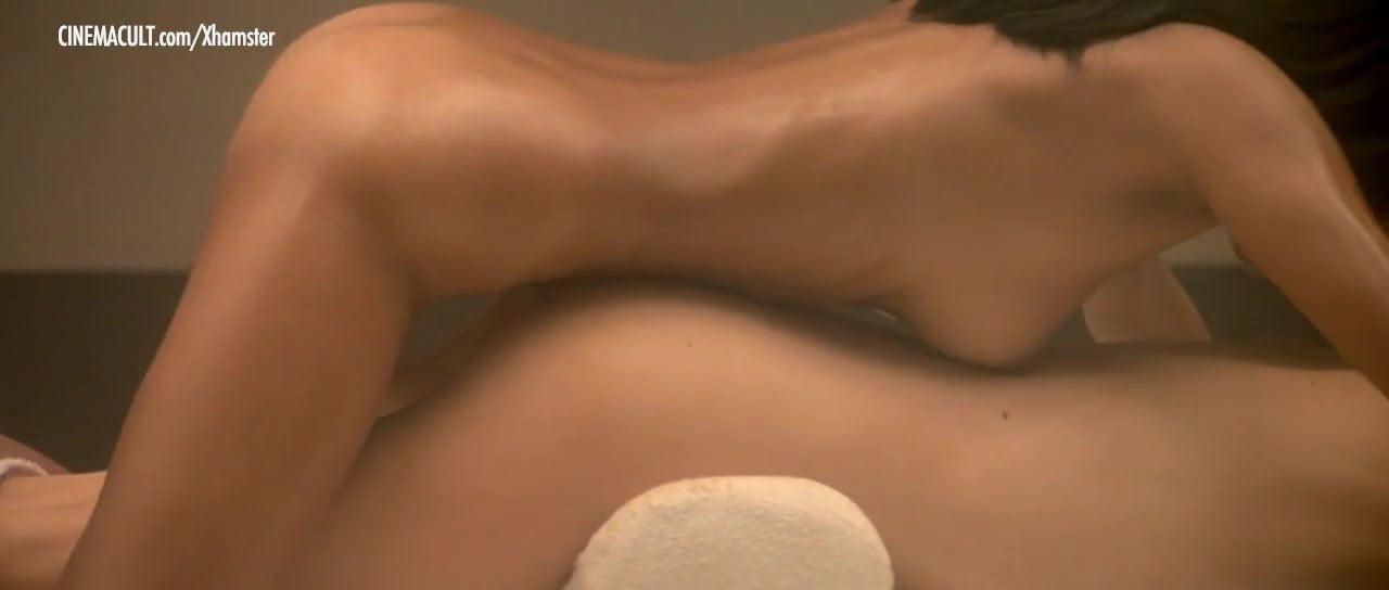 Laura Niles Nude