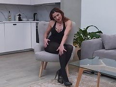 Housewife feed her pussy on kitchen