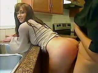 Med min unga flickvän i köket