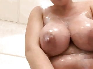 Sophie Mei - Big tits in the shower