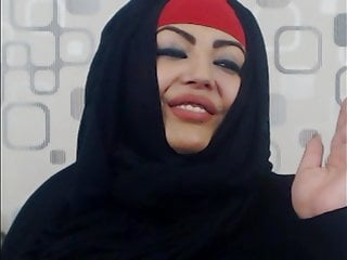 Muslim hottie displaying off the products
