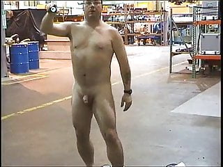 Luvbennude strips at work