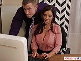 Sexy Francesca Le fuck in the office