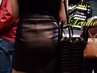 LEATHER SKIRT VS PANTS JAPANESE SPYCAM LEATHER