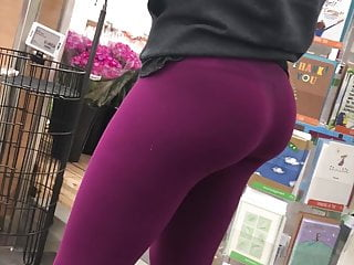 Sexy Teen in Tights Candid