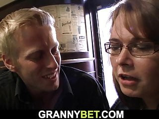 Granny games with boozed busty mature bitch