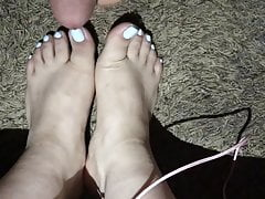 I Cum All Over Pretty Feet And Blue Toes Again