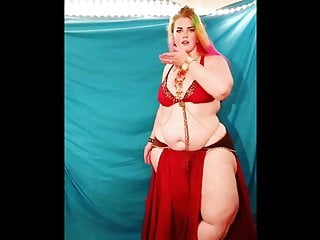 PLUS SIZE BELLY DANCER 02
