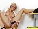 Wild Lady Lili pleasing her pussy to the max