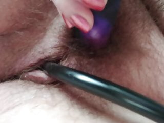 hairy pussy vibrator on uses BBW stuffed