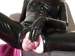 latex pussy pumpfree full porn