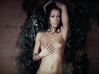 Enter Sandman -slim beauty striptease dance