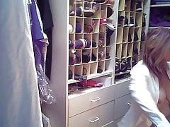 MILF tits on hidden cam