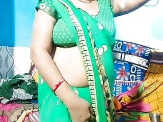 Aunty in tight blouse umma...