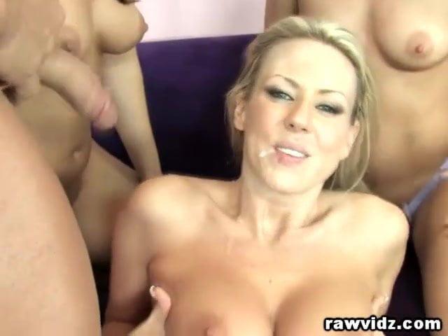 Sex postions for a threesome ffm
