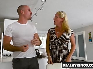 Reality Kings - Sneaky Sex - Sneaky Dining - Lily Rader Sean