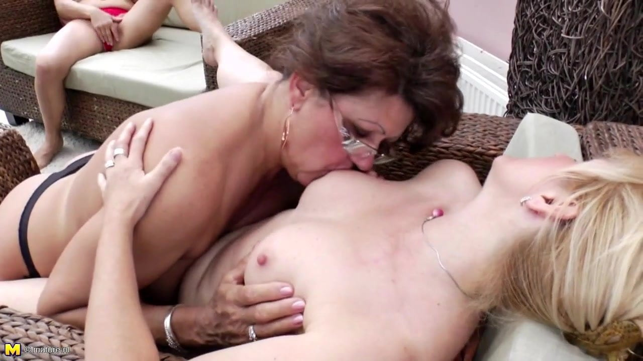 Mature Wives Try Lesbian