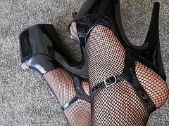 Feet and heels crossdresser