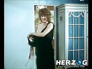 Carmen Chevalier in 5 scenes