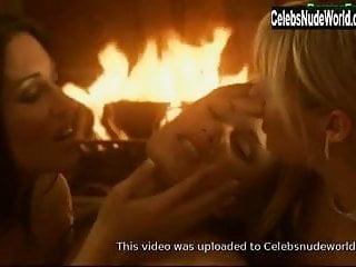 Video 1286321601: ashley long, lesbians kissing, lesbian straight