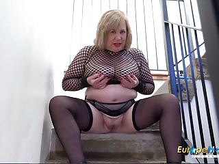 EuropeMaturE Busty British Old Masturbation x