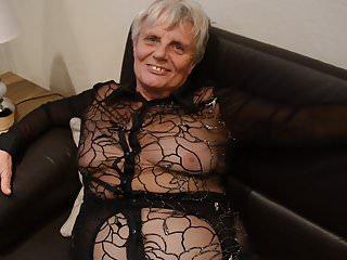 Nylon granny in Pantyhose