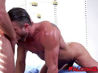 Jock fucks his man raw after enjoying intense cocksucking