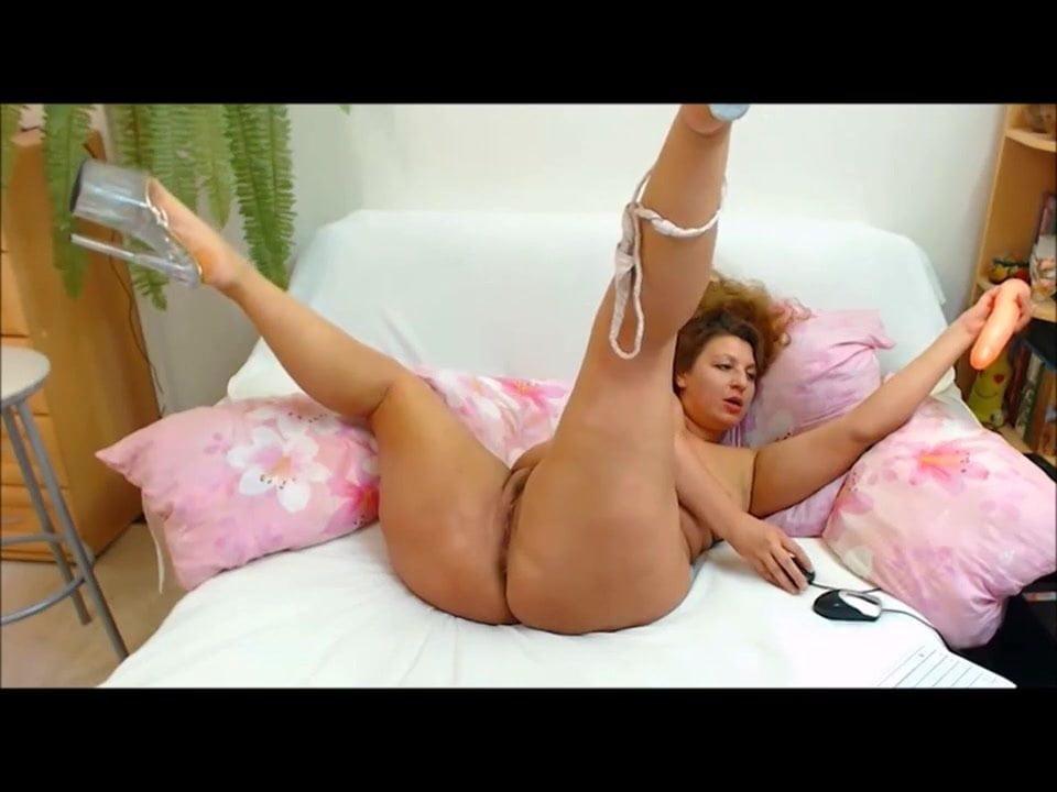 Big girl with big asshaving good sex
