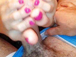 Pink toes footjob