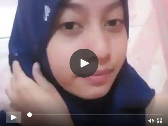 शावर इंडोनेशियाई मुस्लिम गर्ल ब्लू में मेल्ली हस्तमैथुन