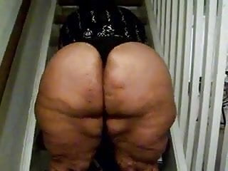 Big BBW Redbone ass Bouncing