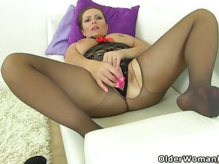 Samantha can 039 t stop toying pussy...