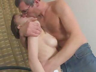 Vater runter einen holt tochter Cristina Maria