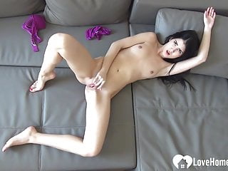Sexy babe gives view of herself...