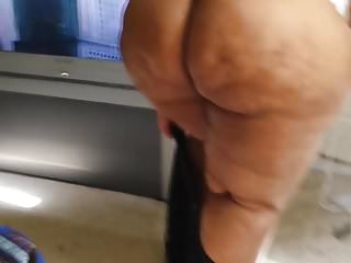 Squeeze that ass in those jeans