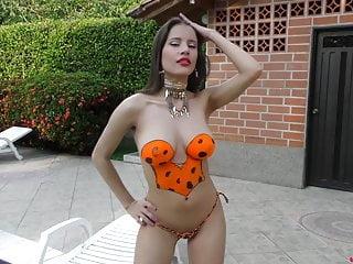 Britney Erotic Orange Pool Paint
