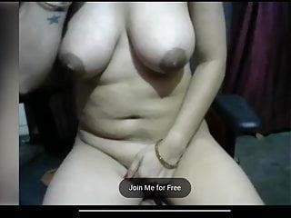 Zoya Erotic Desi jugs display