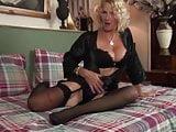 UK Granny Molly Maracas