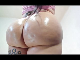 Gah damn this tranny is thicc...