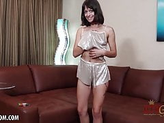 Izzy Bell Strips Her Outfit To To Orgasm With A Vibrator