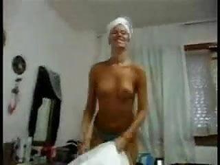 Amateur brazil girl gets fucked...