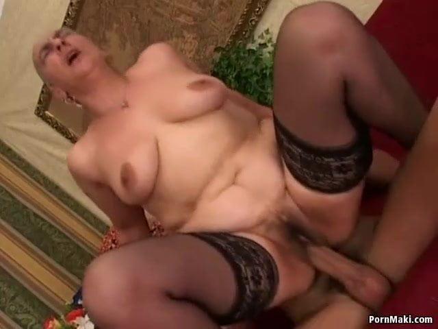 Roma anyuka szexelt a fiával
