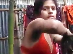 Bangladeshi girlfriend changing