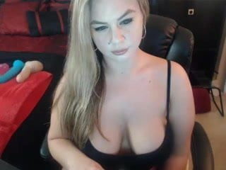 White Girl With Big Booty Big Boobs Big Butts Webcam