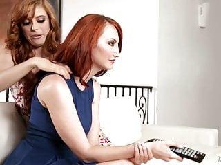 Divertimento lesbico di Kendra James con Penny Pax