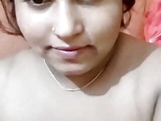 Aunty records naked selfie for husband...
