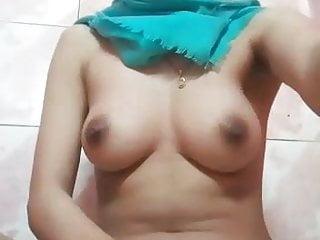 Pretty hijab tudung jilbab girl masturbate in the shower 2